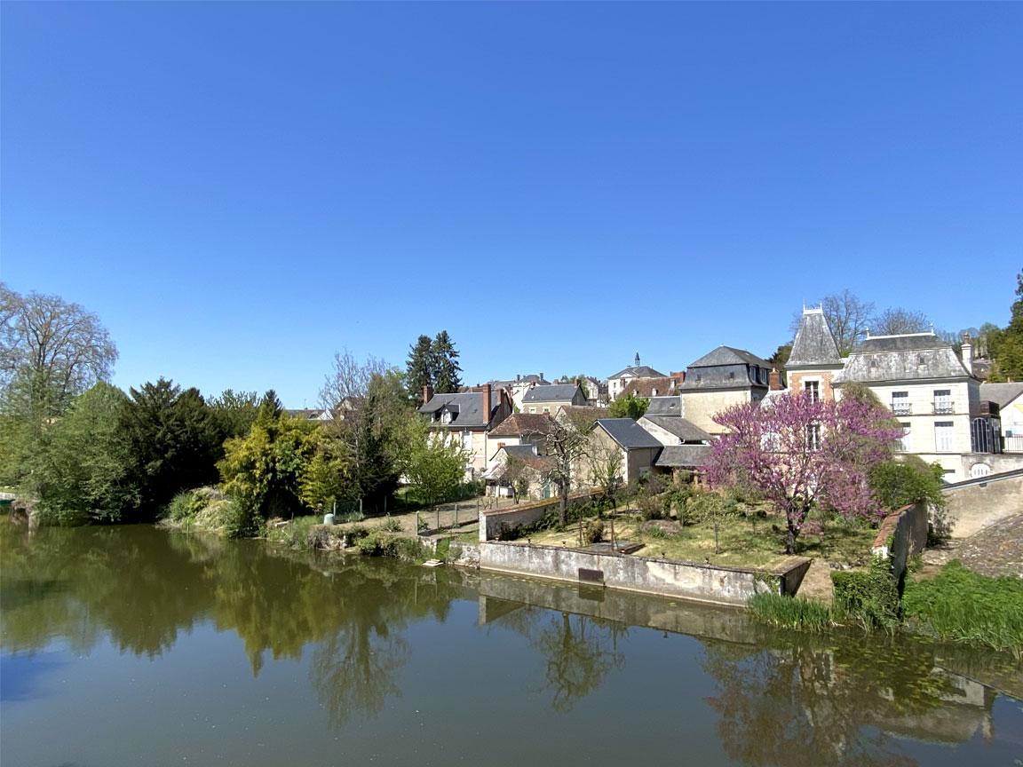 Mairie-depuis-pont-paysage